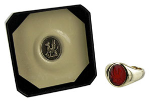 Example of a cornelian ring seal engraved with a griffon crest.